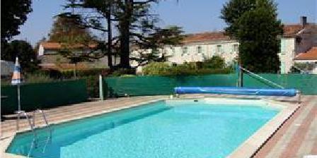 Le Jardin d' Angelyne Le Jardin d' Angelyne Gites & B&B, Chambres d`Hôtes Saint Martin De Juillers (17)