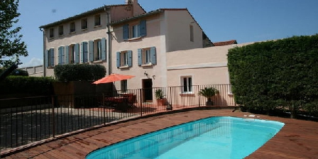 Bastide le petit clos one cottage in pyr n es orientales for Espace vert perpignan