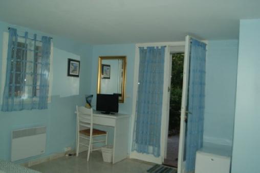 Le Mas du Bijou Bleu, Chambres d`Hôtes Puget Sur Argens (83)