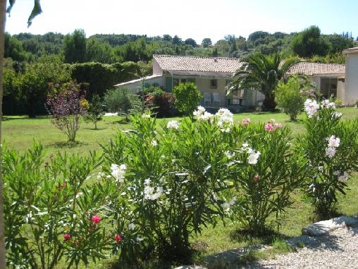 Gîte de charme avec piscine intérieure privée, Gîtes Rochefort Du Gard (30)