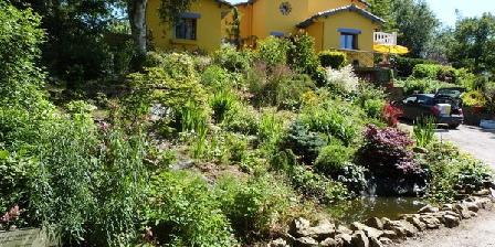 La Maison aux Fleurs La Maison aux Fleurs, Chambres d`Hôtes Hernicourt-Sautricourt (62)