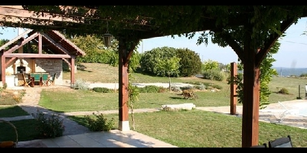 Villa Touloumo Villa Touloumo, Chambres d`Hôtes Mayrac (46)