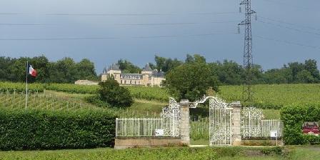 Château de la Riviere Château de la Riviere, Chambres d`Hôtes La Riviere (33)