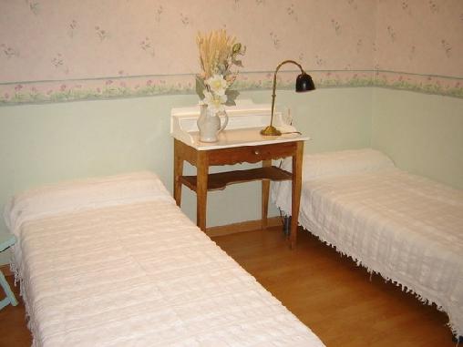 Chez Maryvonne, Chambres d`Hôtes Saint Léons (12)
