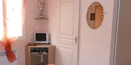 Maison Fleurie Maison Fleurie, Chambres d`Hôtes Marseillette (11)