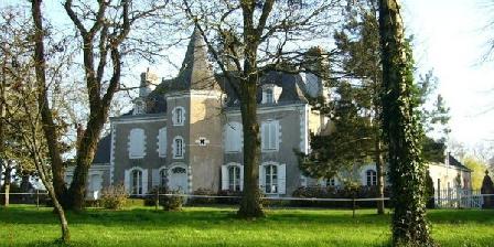 Château de la Montchevalleraie Chateau de la Montchevalleraie, Chambres d`Hôtes Aviré (49)