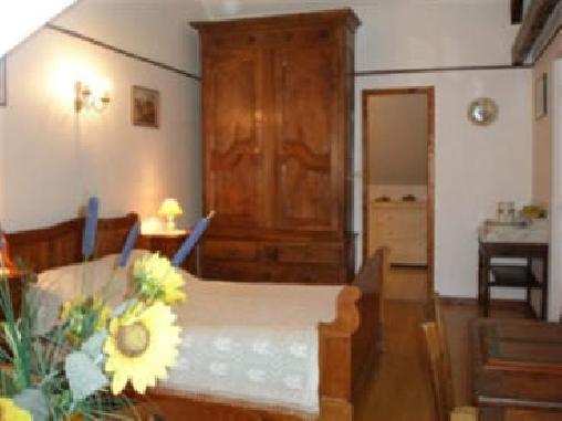 Chambres et table dhôtes à la ferme, Chambres d`Hôtes Loubajac (65)