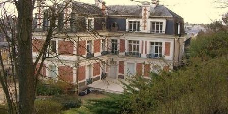 Le Chateau des Remparts Le Chateau des Remparts, Chambres d`Hôtes Chateau Du Loir (72)