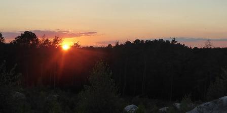 La Maison dans la Forêt  Coucher de soleil au Rocher Caillaud