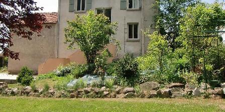 Gite Gîte du Refrus > Cantal-gite de pays 4**** avec piscine privée, Chambres d`Hôtes Le Rouget (15)