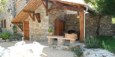 Les Lauzaces Les Lauzaces, Chambres d`Hôtes Berrias-Casteljau (07)