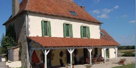 Chambre d'hotes Les Royautés > Les Royautes, Chambres d`Hôtes St Leopardin D'Augy (03)