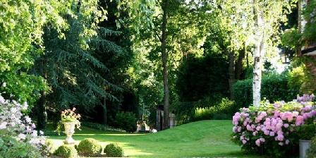 Le Domaine de la Frênaie Le Domaine de la Frênaie, Chambres d`Hôtes Estreux (59)