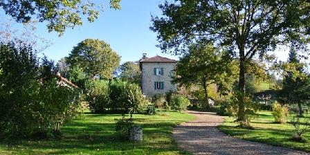 Les Teuillères Les Teuillères, Chambres d`Hôtes Sousceyrac (Lacam D'Ourcet) (46)