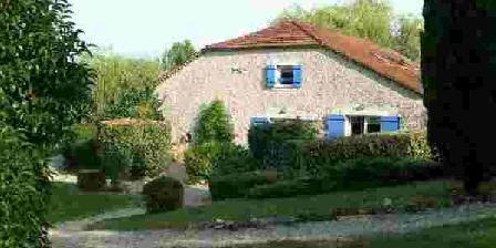 La Grange du Cheval Blanc La Grange du Cheval Blanc, Chambres d`Hôtes Villeneuve Sur Lot (47)