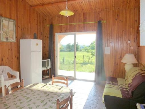 Gîte rural des abeilles des Monts de Blond, Gîtes Javerdat (87)