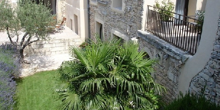Le Huit  Maison d'Hôtes de Luxe Le Huit et SPA, Chambres d`Hôtes Uchaud (30)