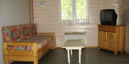 Chambre d'hotes Gîtes Berthou Lucien > 02 chalets dans parc résidentiel de loisirs, Chambres d`Hôtes Lissac Sur Couze (19)