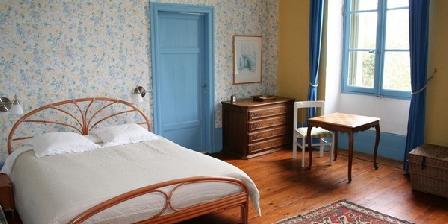 Domaine de Bernou Domaine de Bernou, Chambres d`Hôtes La Croix Blanche (47)