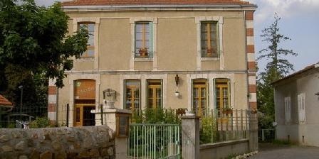 L'Oustal L'Oustal, Chambres d`Hôtes Bournoncle Saint Pierre (43)