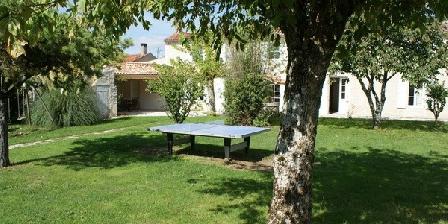 La Fermette La Fermette jardin clos ombragé Surgères (17)