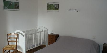 La Fermette Chambre double rez-de-chaussée, lit bb La Fermette Surgères (17)