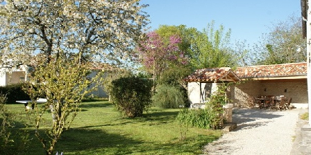 La Fermette Vue sur la terrasse La Fermette - Gîte Les Grandes Chaumes (17)