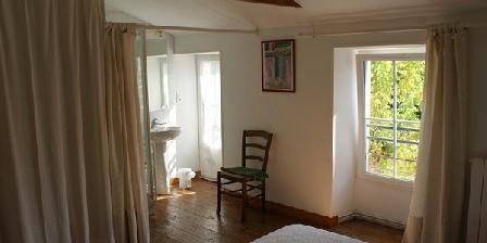 La Fermette Chambre double avec salle d'eau La Fermette Surgères (17)