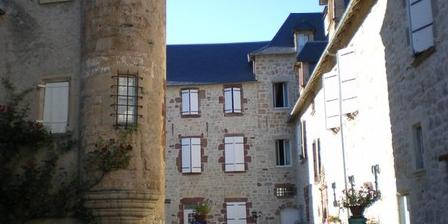 Les Gîtes de Cougousse Les Gîtes de Cougousse, Chambres d`Hôtes Salle La Source (12)