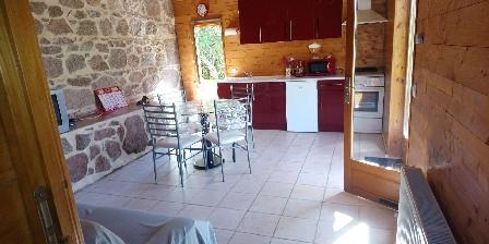 Chez Pinleau Chez Pinleau, Chambres d`Hôtes St-Martin D'Estreaux (42)