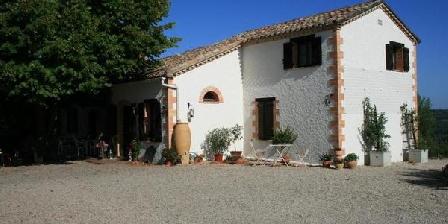 Location de vacances La Quietat > La Quietat, Chambres d`Hôtes Montbarla (82)