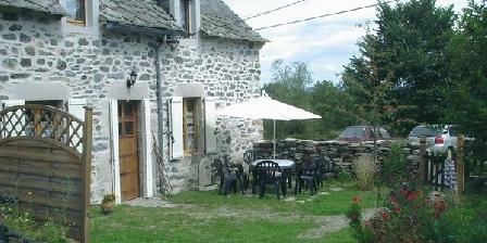 Gite Gîte Romain Jean > Gite Cantal Parc des Volcans, Gîtes Riom-es-Montagnes (15)