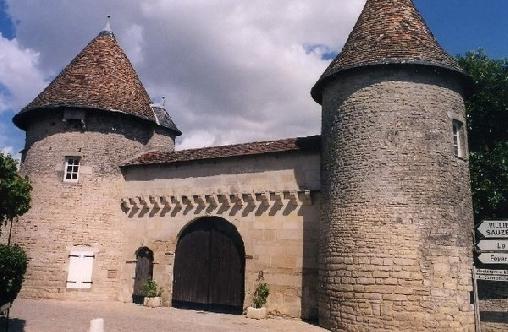 Chambre d'hote Charente - Le Logis Des Tours, Chambres d`Hôtes Villefagnan (16)