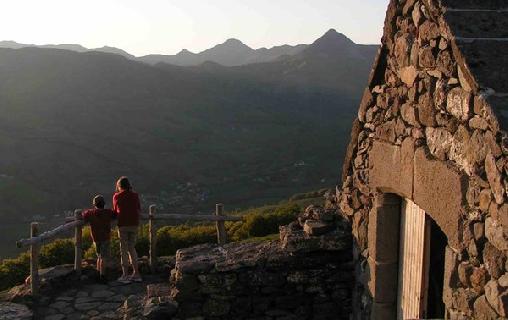 Buron du Cantal - Gîte de La Fumade Vieille, Gîtes Saint Jacques Des Blats (15)