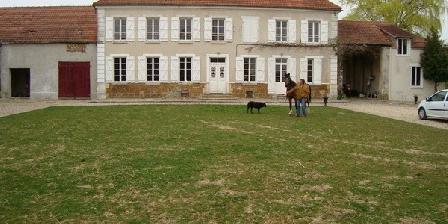 Ferme de La Douairiere Ferme de La Douairiere, Chambres d`Hôtes Cernay La Ville (78)