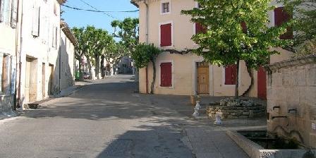 Domaine de Pré Grand Domaine de Pré Grand, Chambres d`Hôtes St Etienne Les Orgues (04)