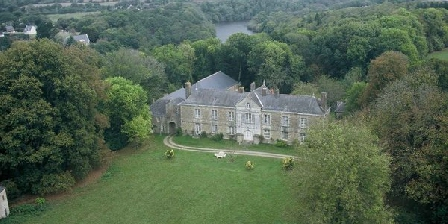 Château de Pont-Sal Château de Pont-Sal, Chambres d`Hôtes Plougoumelen (56)