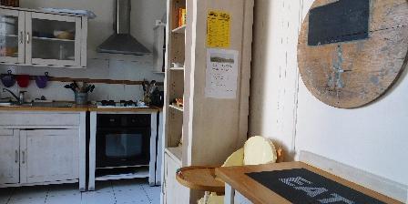 Les Fillattes Les Fillattes, La cuisine dans La Maison