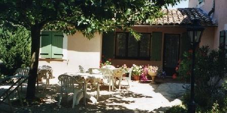 Au Vieux Chêne Au Vieux Chêne, Chambres d`Hôtes Grillon (84)
