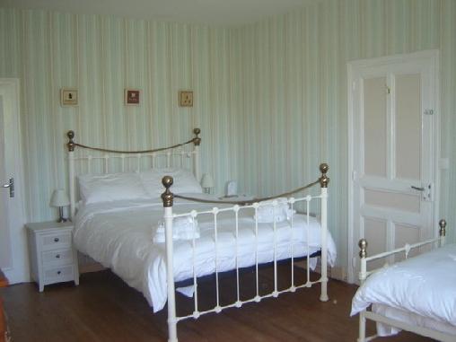 La Maison Famille, Chambres d`Hôtes Durban Sur Arize (09)