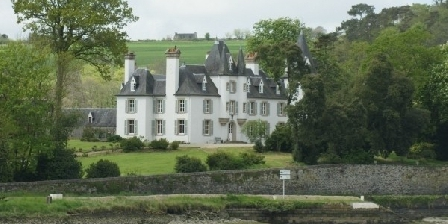 Chateau de Lannuguy Chateau de Lannuguy, Chambres d`Hôtes Saint-Martin-des-Champs (29)
