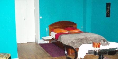 Les Volets Bleus Les Volets Bleus, Chambres d`Hôtes Aumont-Aubrac (48)