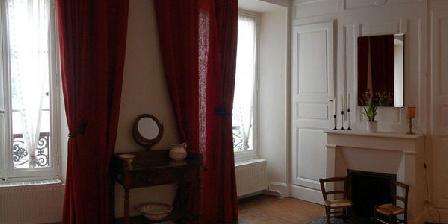 Le Logis de la Voulzie Le Logis de la Voulzie, Chambres d`Hôtes Provins (77)