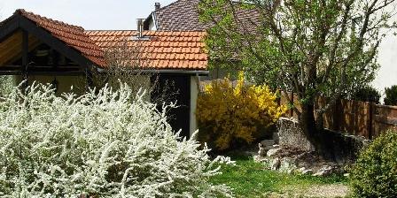 La Maison des Chiens Verts La Maison des Chiens Verts, Chambres d`Hôtes Hauteville Lompnes (01)