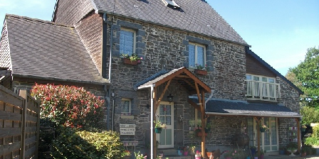 Flowerpots  Flowerpots Chambres d'Hotes, Chambres d`Hôtes Le Mesnil Garnier (50)
