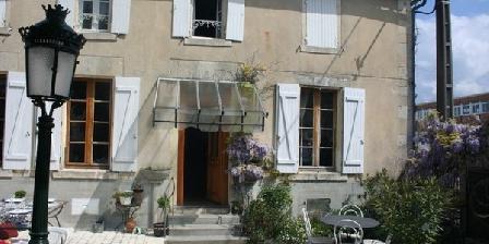 Villa Vignola Villa Vignola, Chambres d`Hôtes Barbezieux Saint Hilaire (16)