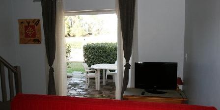 Les Bougainvillées  Les Bougainvillées Gite 2 à 4 personnes de 26 à 45m2, Chambres d`Hôtes Villetelle (34)
