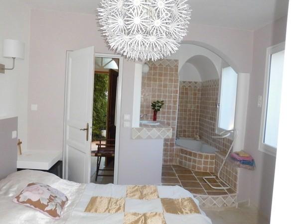 bois joli une chambre d 39 hotes dans le var en provence alpes cote d 39 azur album photos. Black Bedroom Furniture Sets. Home Design Ideas