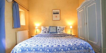Chambre d'hotes La Colombière du château > une de nos chambres doubles avec terrasse privatiive