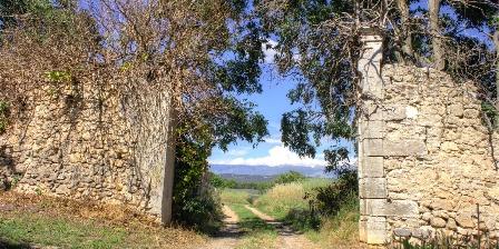 Chambre d'hotes La Colombière du château > nombreuses randonnées à droite de notre porte